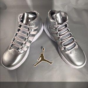 Silver Jordan Max Aura SE